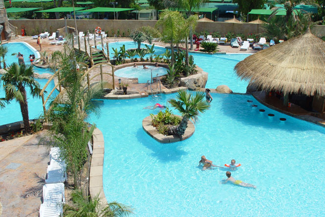 Cabañas y bungalows de La Marina Resort