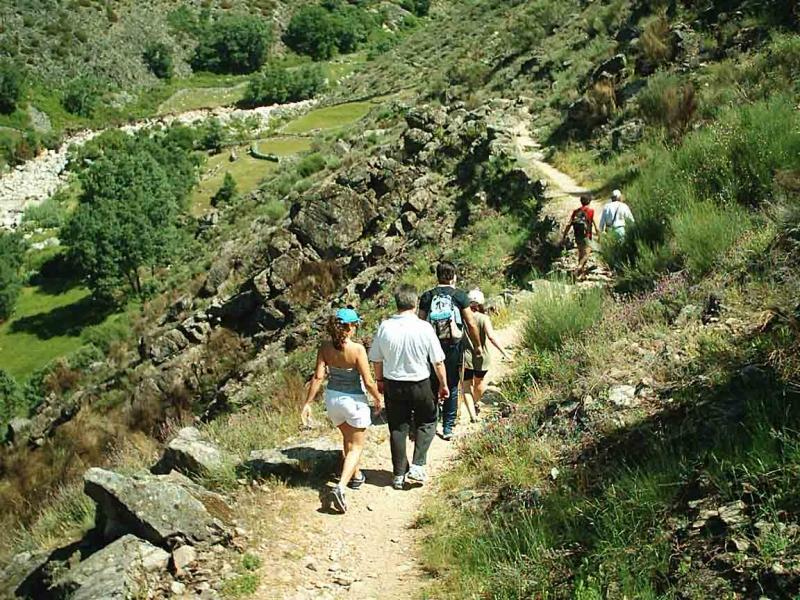 Turismo de monta a en la sierra de madrid - Cabanas cerca de madrid ...