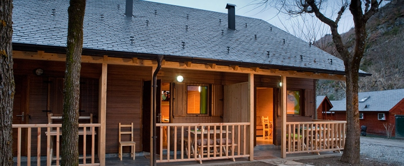Bungalows verneda confort en plena naturaleza - Fotos de bungalows de madera ...
