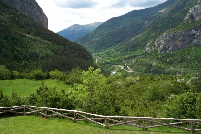 Vista de los Pirineos. Esta imagen tiene Licencia CC en el Flickr de Carlos Buetas
