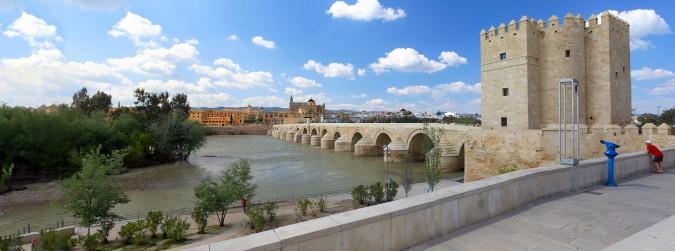 Puente romano sobre el río Guadalquivir. Esta imagen tiene Licencia CC en el Flickr de Wolfang Manousek