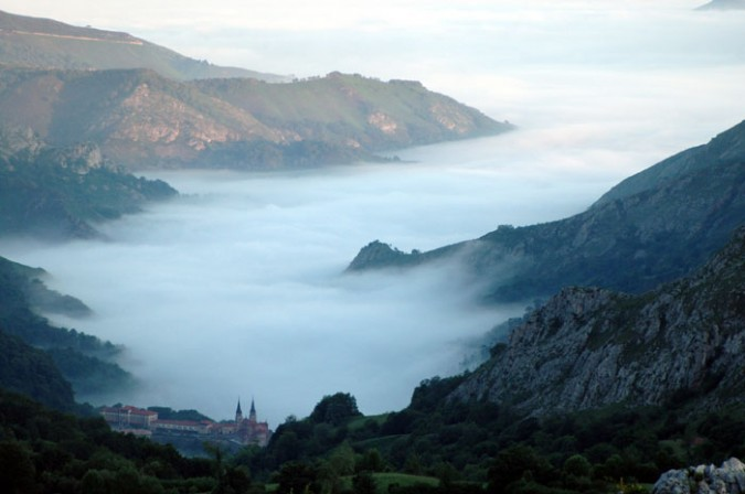 Santuario de la Virgen de Covadonga. Imagen de Picos de Europa