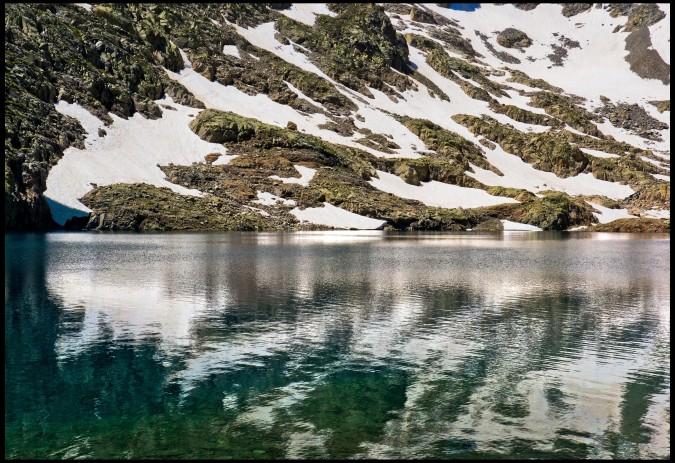 Lago Ibón en verano. Esta imagen tiene Licencia CC en el Flickr de Guillén Pérez