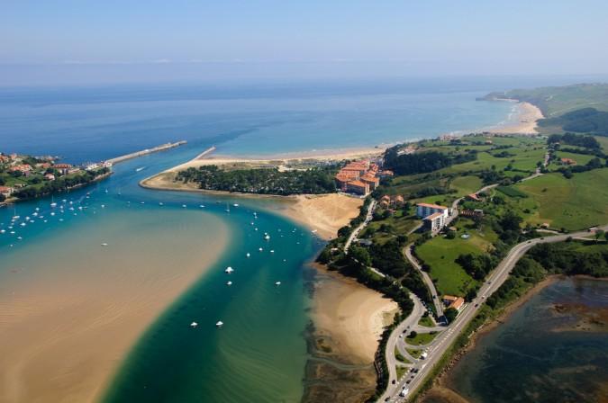 Vista aérea de San Vicente de la Barquera. Esta imagen tiene Licencia CC en el Flickr de Nacho Castejón Martínez