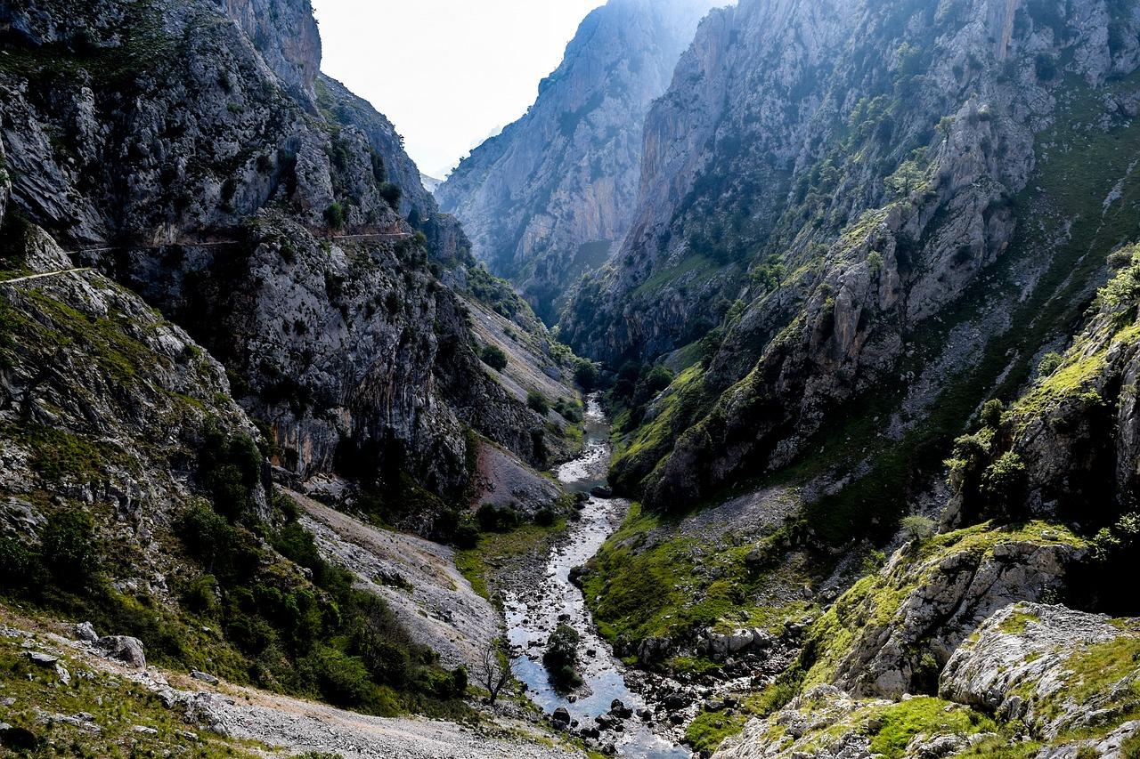 rio-cares-asturias-naturaleza